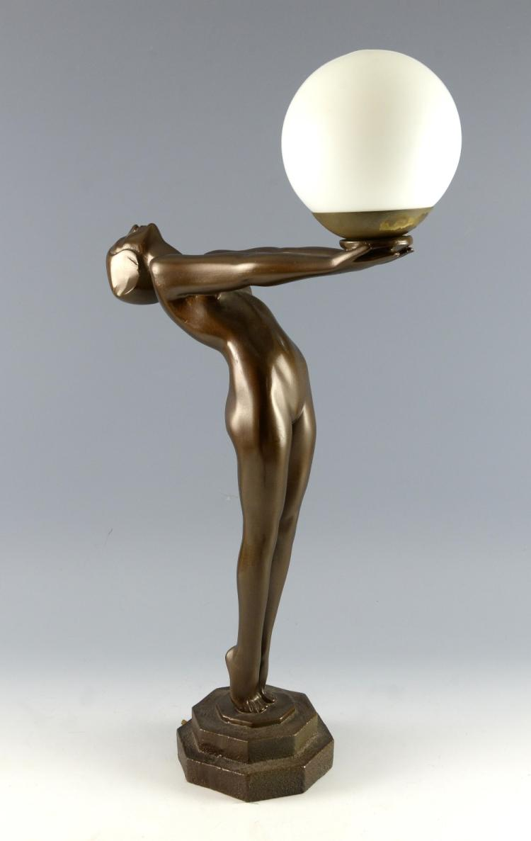 Table lamp in Art Deco style modelled as a nude
