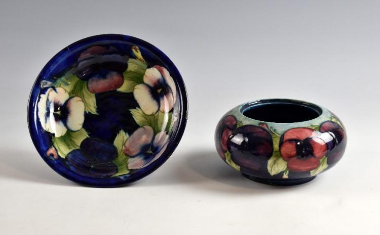 Moorcroft pansy bowl, pale pink to mauve flowers o