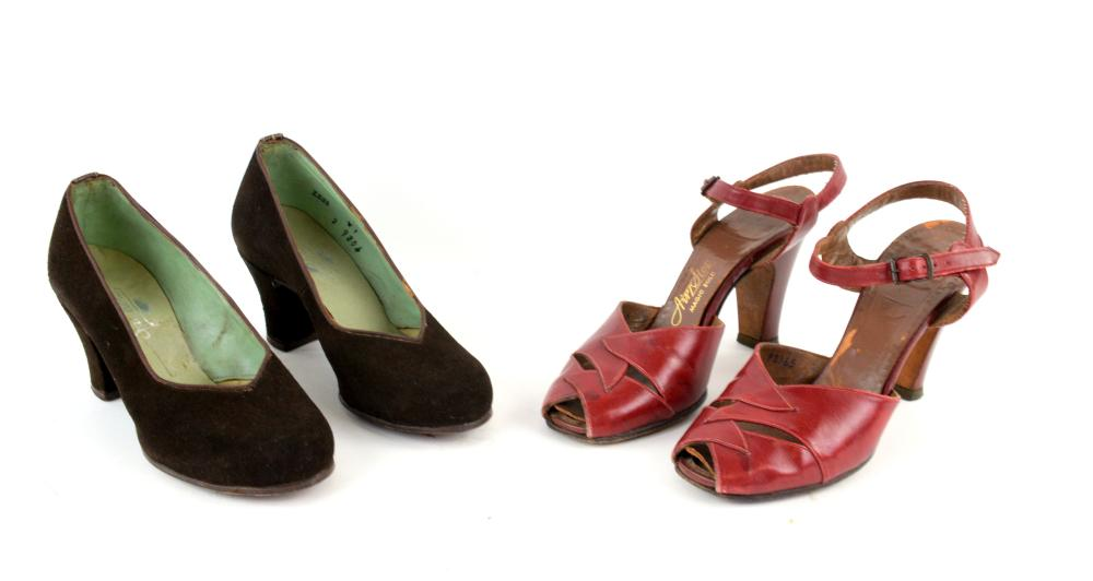 5 pairs of 1940s shoes to include brown suede cour