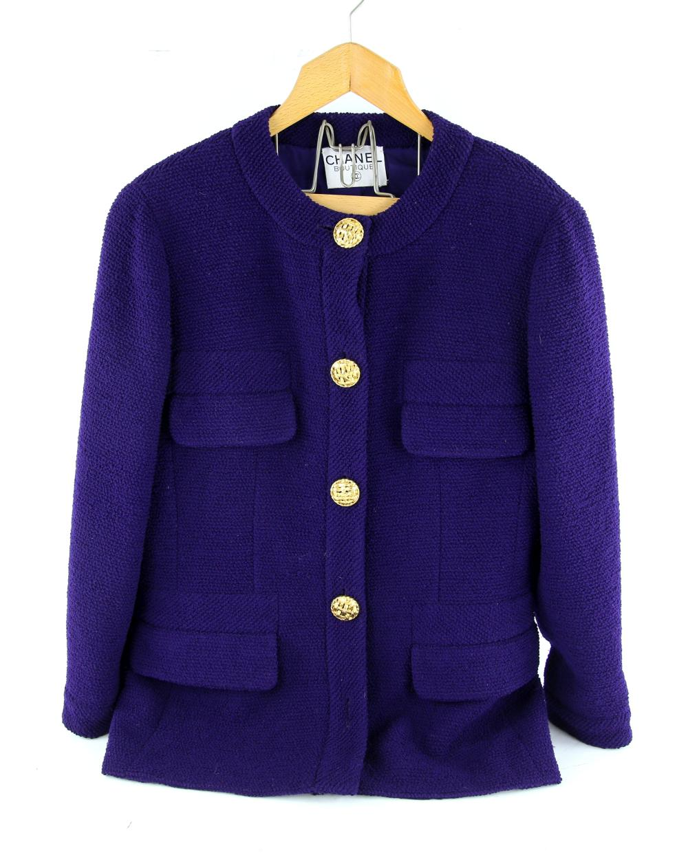 Chanel vintage jacket in purple boucle fabric with