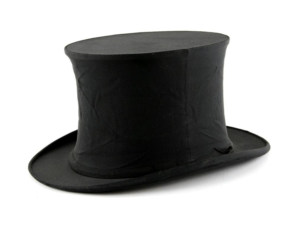 Black Collapsible top hat with label Extra Quality