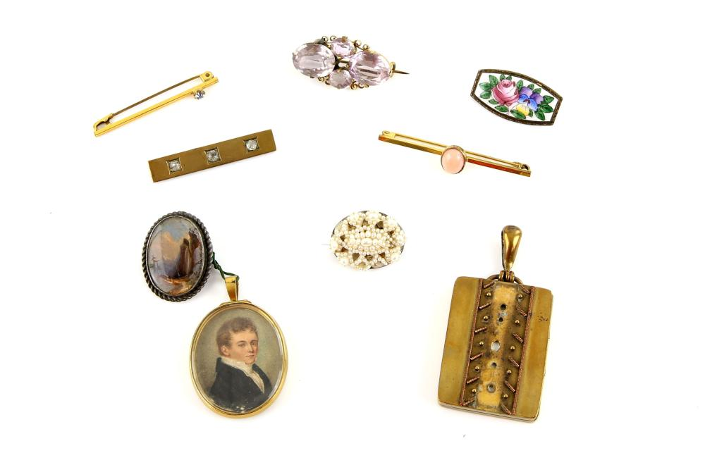 A group of mainly antique jewellery including item