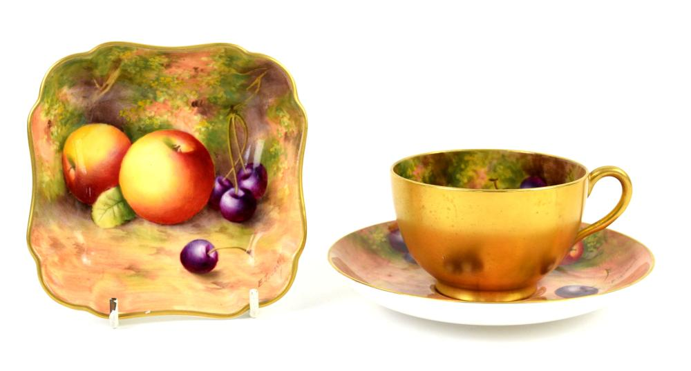 Royal Worcester Square bowl painted with fruit, si