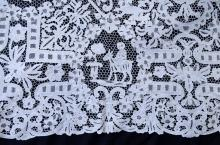 Edwardian lace bed cover, floral and arch decorat