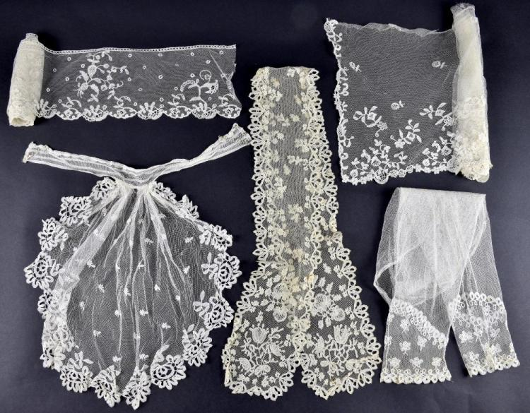 Honiton lace mid 19th C lappet with flower and fru