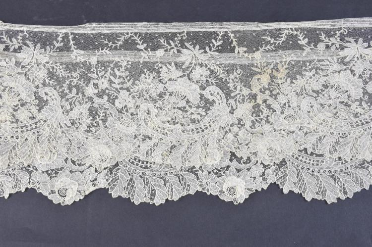 Brussels Pont de gaze lace flounce, design of  ro