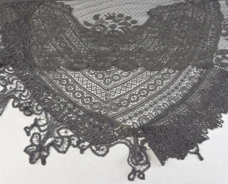 Group of black lace, a bonnet veil 1840, a Maltese