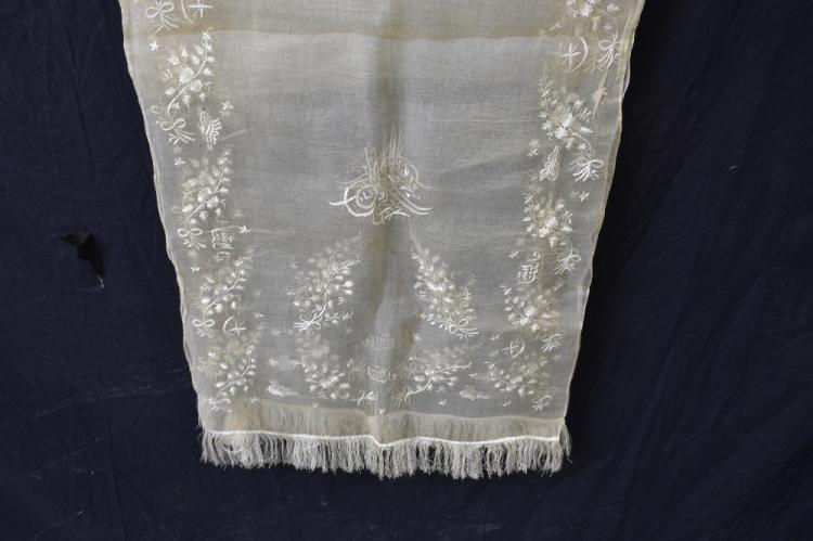 Turkish embroidered robe with flower motifs and si