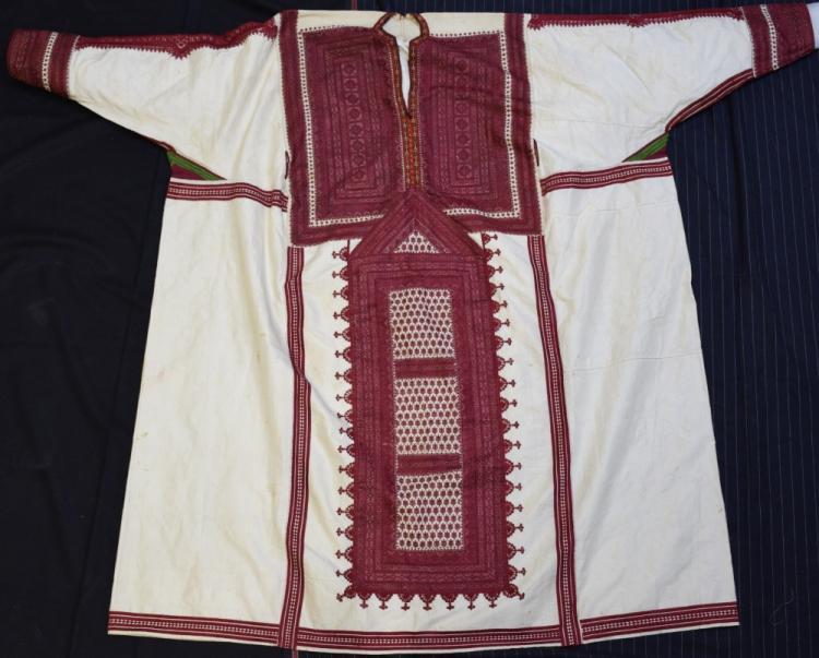 Baluchistan Pushk Kurta robe of  cream silk extens
