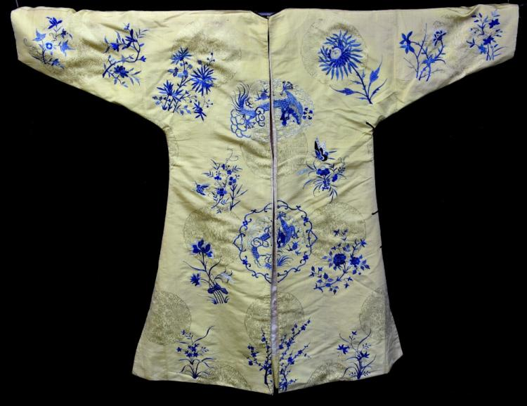 Chinese imperial lady's robe of yellow, brocaded w