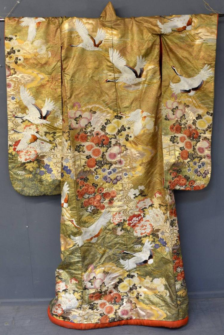20th century Japanese silk Kimono embroidered with