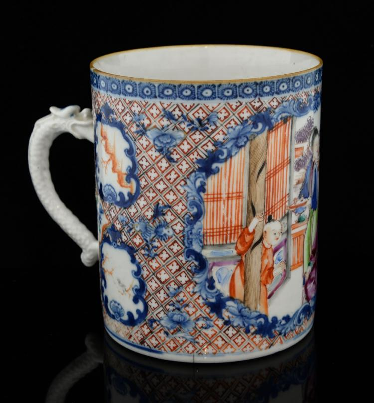 19th century Chinese export mug decorated with a m