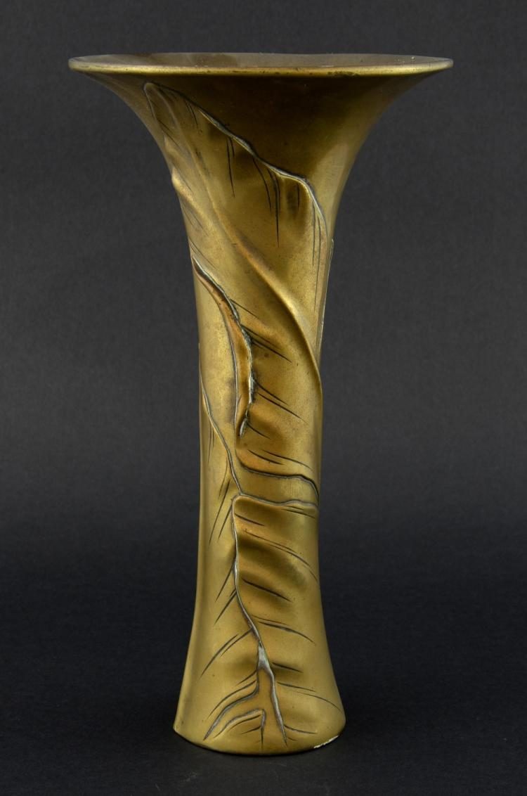 Early 20th century Japanese bronze vase decorated