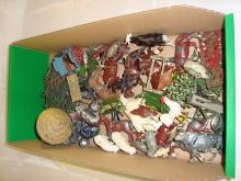 A tray of diecast farm animals by Britains to include several horses and a haystack. F-G