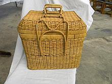 Swing Handle Wicker Picnic Basket