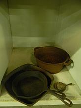 4 piece Cast Iron Cookware