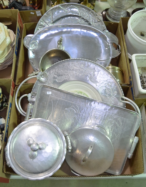 Two Bxs Hammered Aluminumware