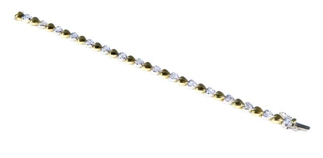18K Gold Diamond Heart Bracelet