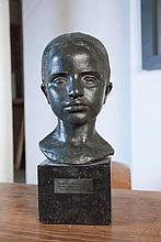 Georges HALBOUT DU TANNEY (1895-1986)  Tête de jeune maure  1933  Bronze à patine verte signé, daté et situé « Alger » au dos. Porte une marque de fondeur au dos