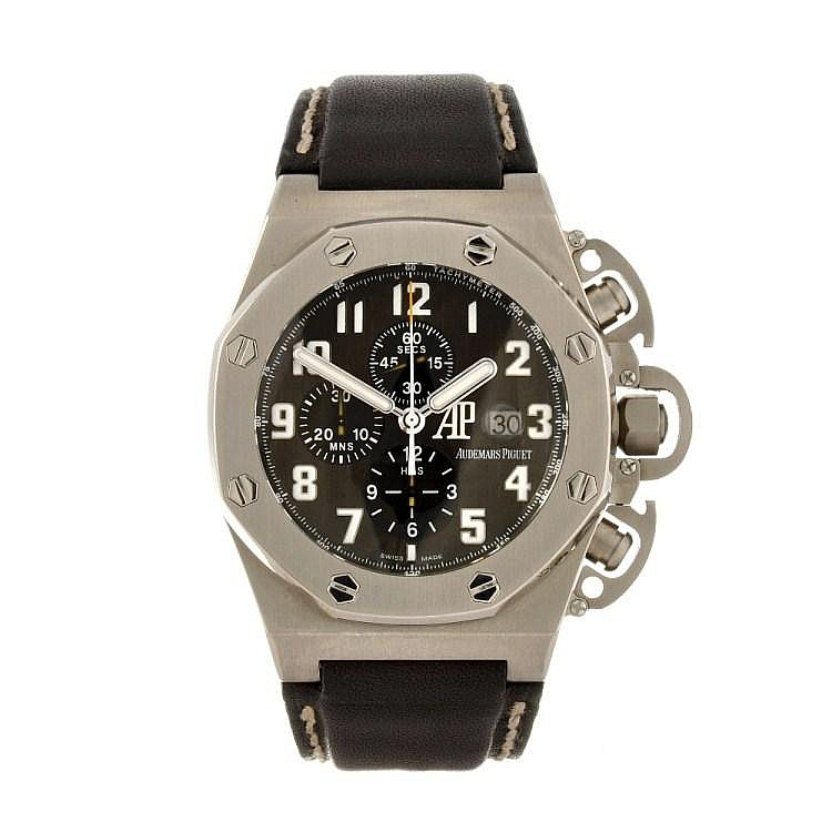 (92504) A titanium automatic gentleman's Audemars Piguet Royal Oak T3 wrist watch.