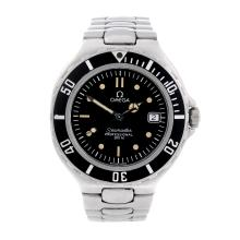 OMEGA - a gentleman's stainless steel Seamaster Professional 200M bracelet watch