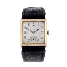 A gentleman's 9ct yellow gold wrist watch