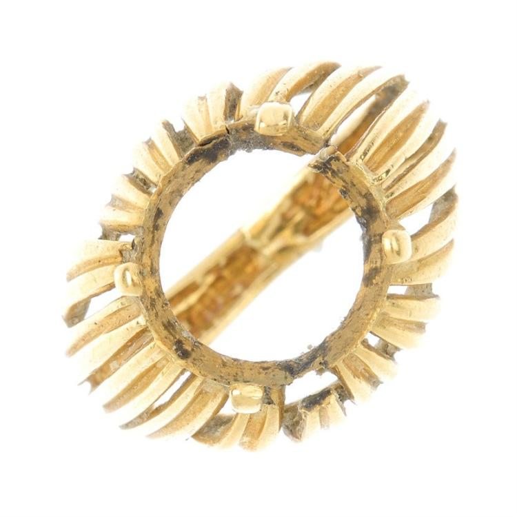 an 18ct gold ring mount the circular vacant mount with gro