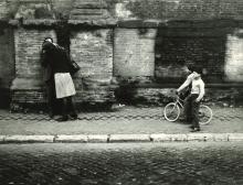 Mario Dondero - Untitled (Kiss)