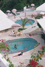 Slim Aarons (1916-2006) - Pool at Las Brisas
