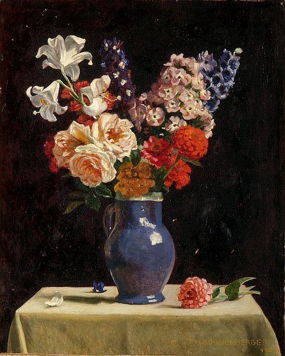 Bunter Blumenstrauss in blauem Steingutkrug