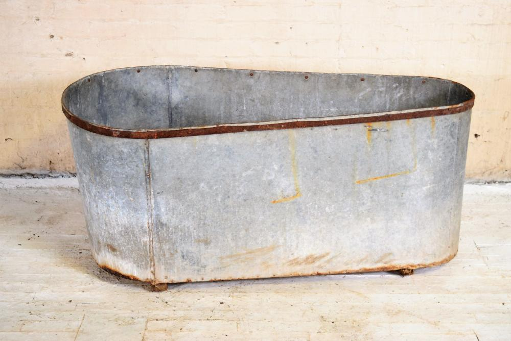 Antique European Galvanized Bath Tub
