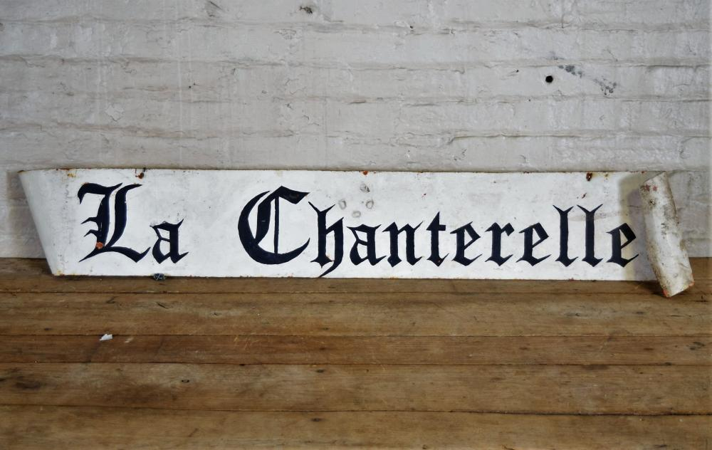 La Chanterelle Scrolled Metal Sign
