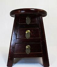 Chinese Beautiful Round Style Wooden Dark Panting with Three Locker Stool
