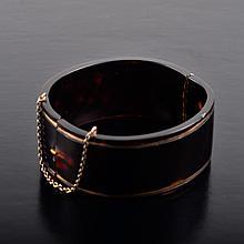 Tortoise shell bangle bracelet