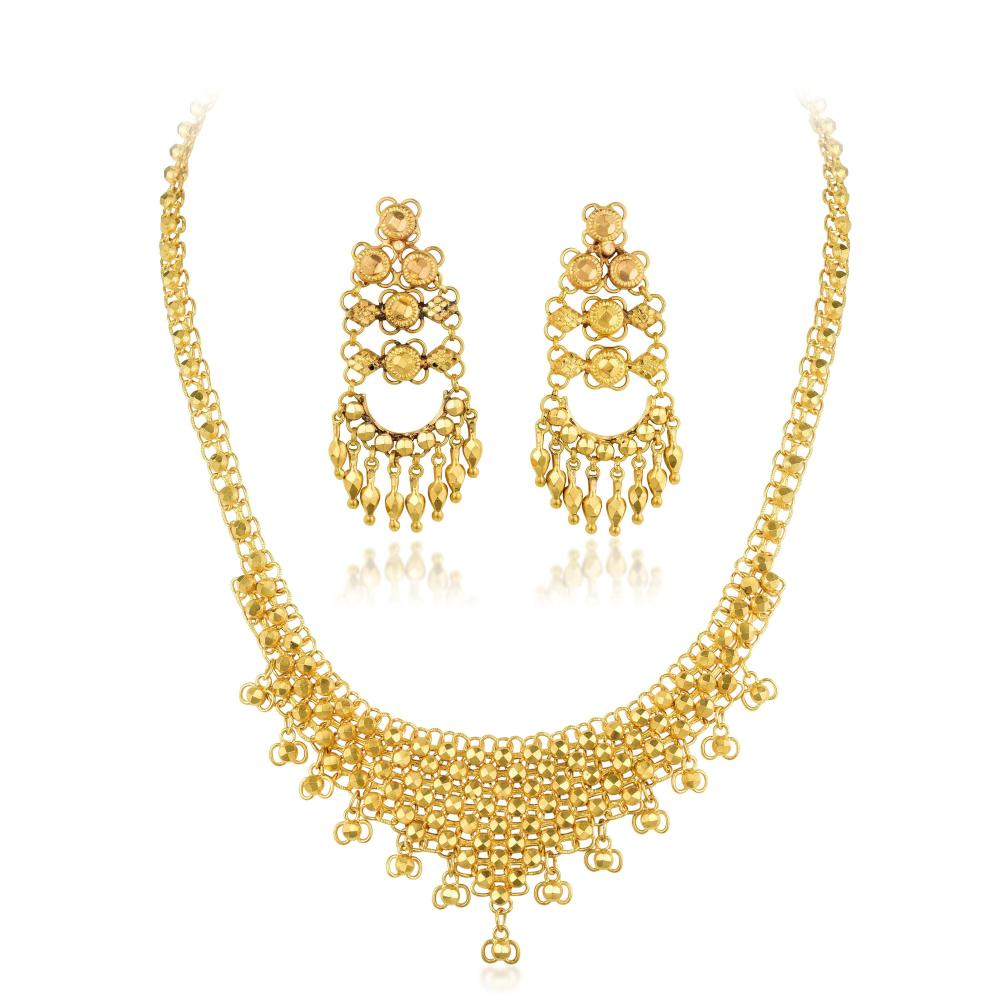 A High Karat Gold Necklace and Earrings Set