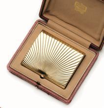 An 18ct gold vanity case, Cartier