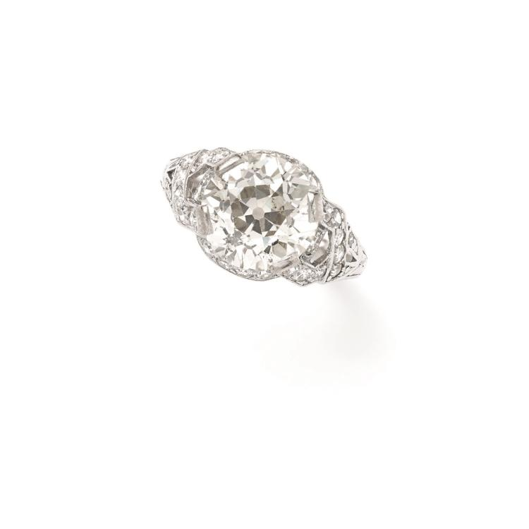 A deco platinum diamond single-stone ring