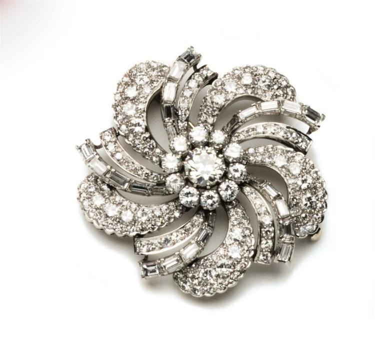 An early 20th Century diamond and platinum brooch