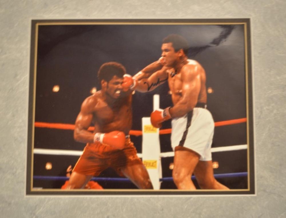 Muhammad Ali Signed vs Leon Spinks!