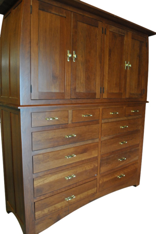 Huge Amish Gentlemans Dresser