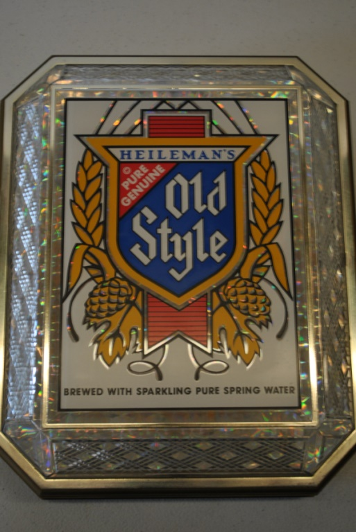 Sold Price: Vintage Old Style Beer Lighted Sign - Invalid