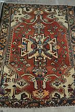 Persian Bakhtiari Hand Knotted Rug 4.6 x 6.5
