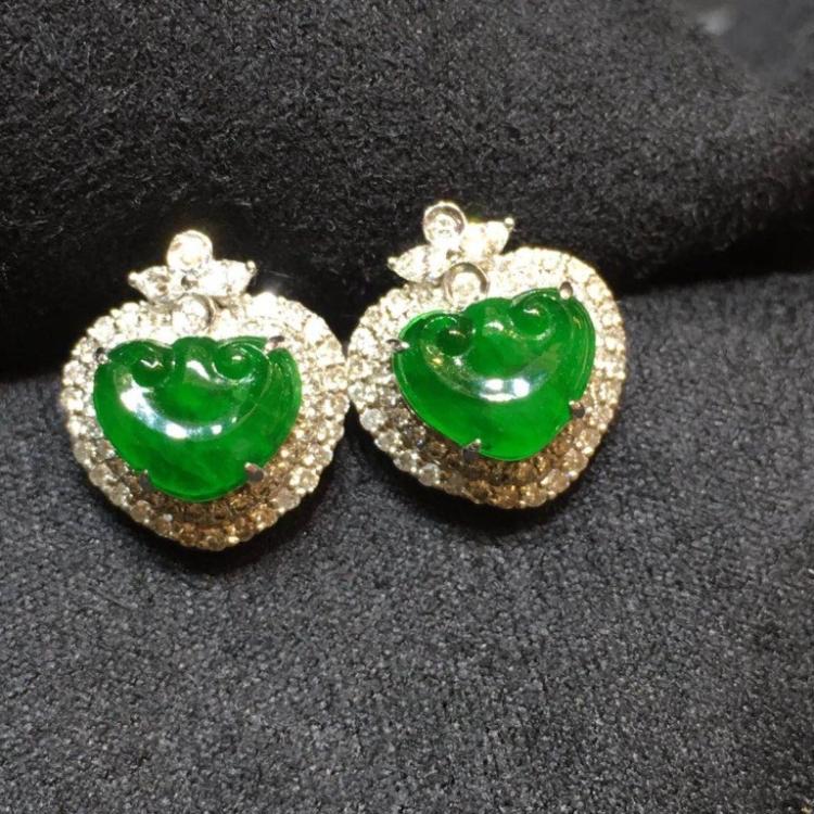Pair of Green Jadeite Earring