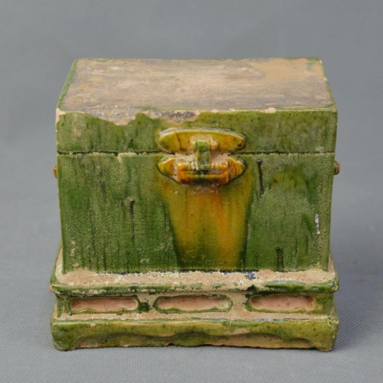 A Tri-color Glazed Box, Tang Dynasty