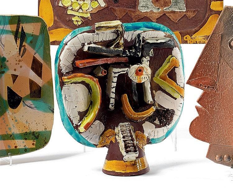 Gilbert PORTANIER (1926-) « Visage » Sculpture en céramique. Haut
