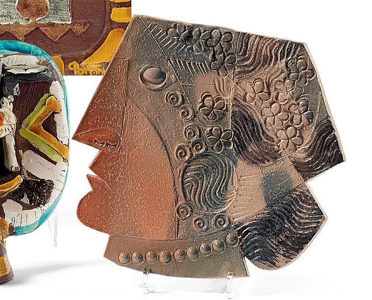 Jean DERVAL (1925-2010) « Profil féminin au collier » Céramique,