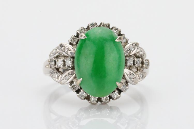 13mm Oval-Cut Green Jade, 0.50ctw SI1-SI2/G-H Diamond & Solid 18K White Gold Cocktail Ring
