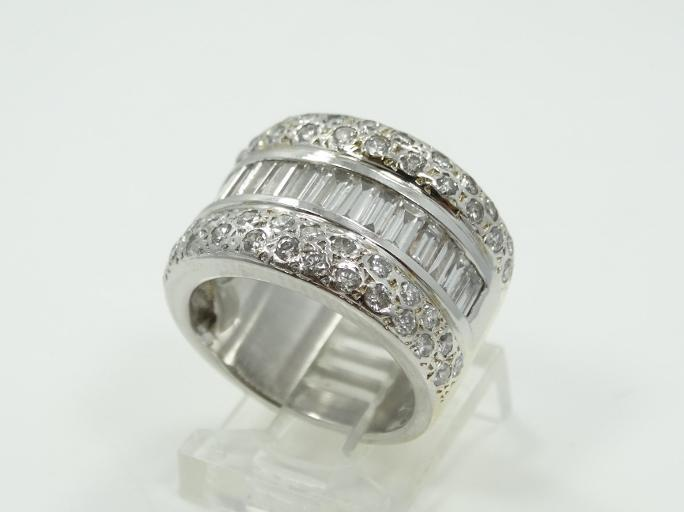 2.25CTW Genuine SI1-SI2/G-H Baguette & Round-Cut Diamond & Solid 14K White Gold 9mm Ring