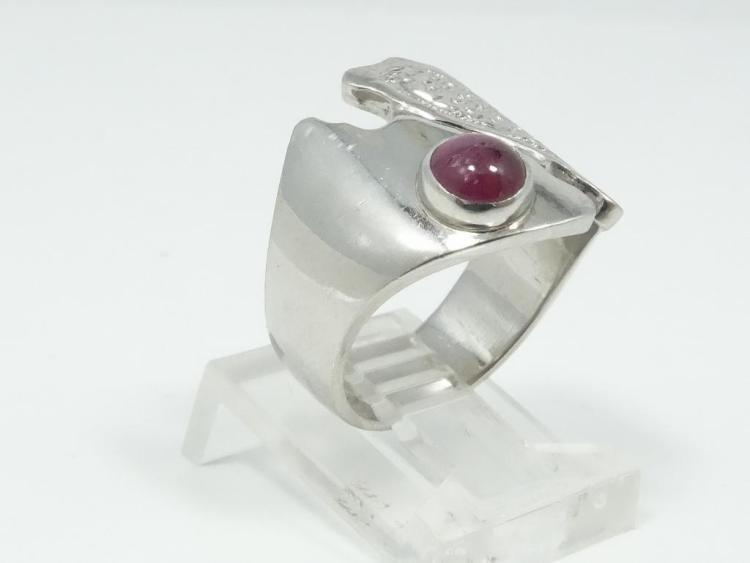 SOLID Platinum Designer Ring W/Genuine 0.50CT Cabochon Ruby *UNIQUE PIECE