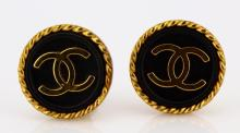 Chanel France 1995 Fall Collection Black and Gold Logo Button 21mm Ear Clips